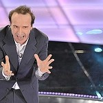 Video Benigni Festival di Sanremo 2009: da Berlusconi ai gay. Picco audience
