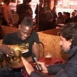 Video consegna Tapiro d'oro a Mario Balotelli.